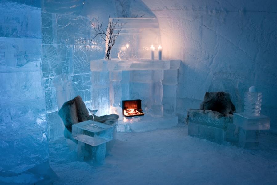 ... The Sorrisniva Igloo Hotel, Alta Norway ...