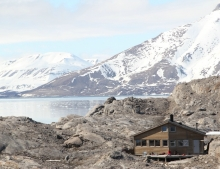 The wilderness cabin Nordenskold near to the glacier