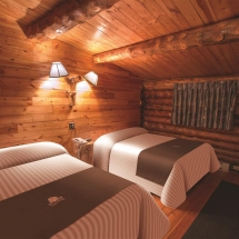 Lazy Bear Lodge - Room