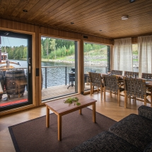 Houseboat Living room
